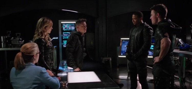 "Arrow ""Unchained"" Preview Clip: Roy Visits The New Lair"