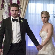 "Guggenheim: A ""Specific Trajectory"" For Olicity In Arrow Season 6"