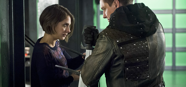 "Arrow: Preview Clip For Tonight's Episode & ""Inside Eleven-Fifty-Nine"""