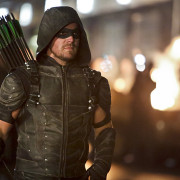 Stephen Amell Drops Arrow Season 5 Scoops – Including A Character's Return