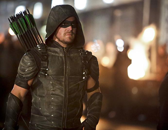 Stephen Amell Drops Arrow Season 5 Hints