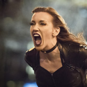 Katie Cassidy Is Returning As A SERIES REGULAR For Arrow Season 6