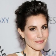 Carly Pope To Guest On Arrow As A Character With A Green Lantern Connection