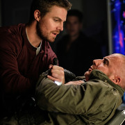 Photos: Stephen Amell in the Legends of Tomorrow Season 2 Premiere!