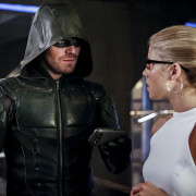 "Arrow 100: Amell & Mericle On The State Of ""Olicity"""