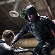 "Arrow Photos: ""A Matter of Trust"" with Cody Rhodes"