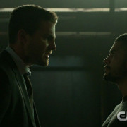 "Arrow Promo Screencaps: ""A Matter of Trust"""