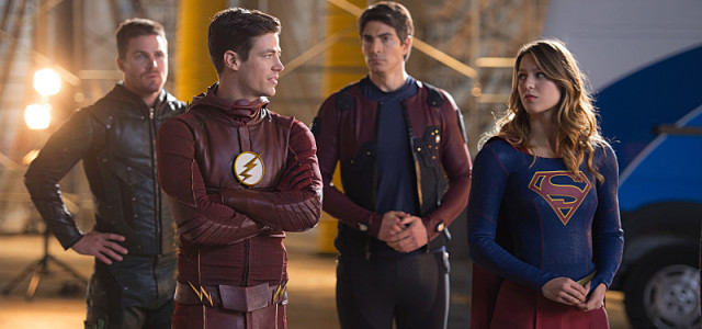 "Stephen Amell Describes This Year's DCTV Crossover As A ""Four-Hour Movie"""