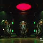 "Arrow Episode 100 ""Invasion!"" Promo Trailer & Screencaps"