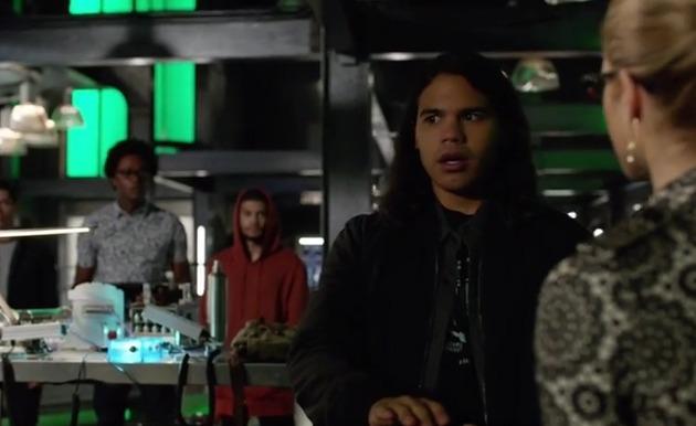 "Arrow Episode 100 Preview Clip & ""Inside: Invasion!"""