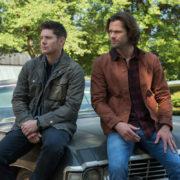 "Stephen Amell Addresses Arrow & Supernatural Crossover ""Rumors"""