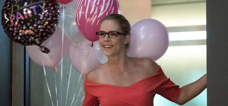 Photos: Felicity Smoak Visits The Flash! | GreenArrowTV