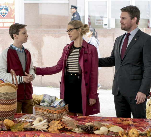 """Arrow """"Thanksgiving"""" Official Preview Images"""
