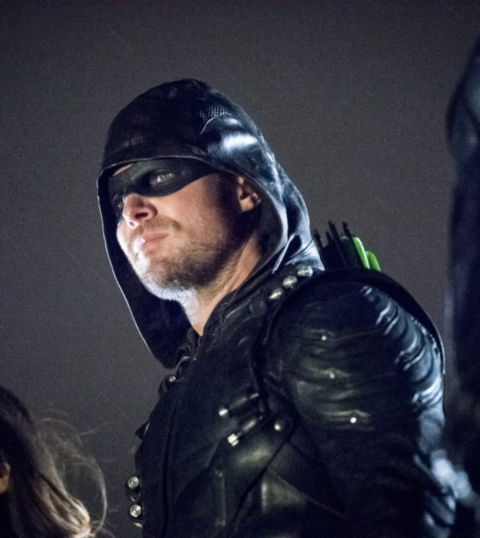 """Arrow """"We Fall"""" Official Preview Images"""