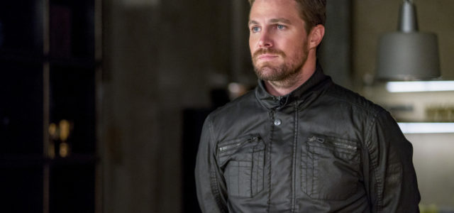 "Stephen Amell Has a ""Big Announcement"" Coming Monday (UPDATE: Delayed)"