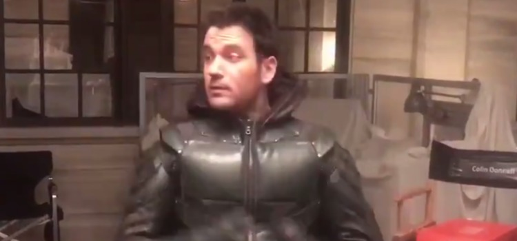 Video: Colin Donnell Has Fun On The Arrow Set