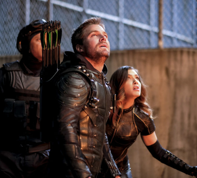 "Arrow ""The Ties That Bind"" Official Preview Images"