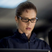 "Arrow ""Crossing Lines"" Official Preview Images"