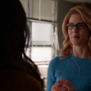 "Arrow ""Inheritance"" Clip: Smoak Technologies Begins"