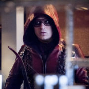 """Arrow """"Confessions"""" Preview Images: Roy's Back!"""