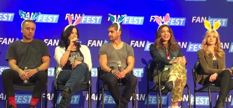 "Kirk Acevedo Says Diaz ""Shoulda Killed"" Felicity Smoak, Katrina Law Praises Emily Bett At FanFest"