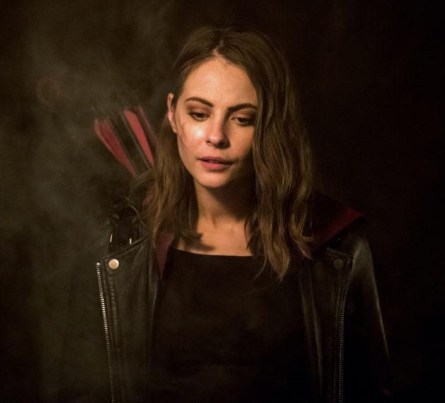 """Arrow """"Leap of Faith"""" Photos: Willa Holland Returns"""